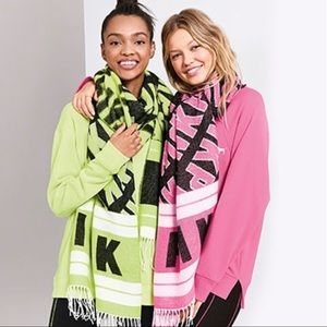 NWT VS PINK oversized blanket scarf with fringe